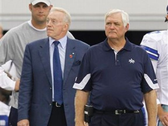 Wade Phillips and Jerry Jones